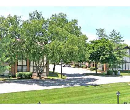 2 Beds - The Devonshire Apartments at 8301 Doncaster Way in Louisville KY is a Apartment