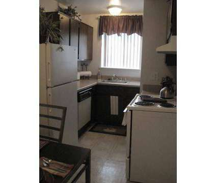 3 Beds - Heritage Glen at 9633 Pickwick Cir East in Taylor MI is a Apartment