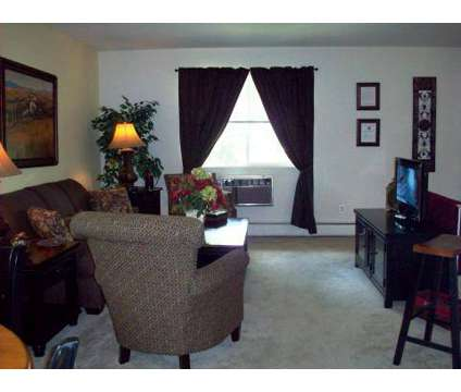 2 Beds - Academy Woods at 95 Cedar Ln in Florence NJ is a Apartment