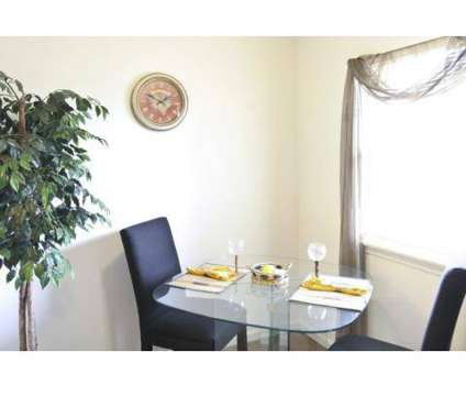 2 Beds - Kimberly Court at 4121 Kimberly Parkway North in Columbus OH is a Apartment