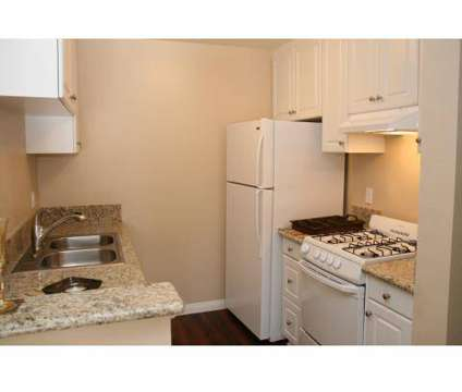 1 Bed - Harvard Manor at 21 California Ave in Irvine CA is a Apartment