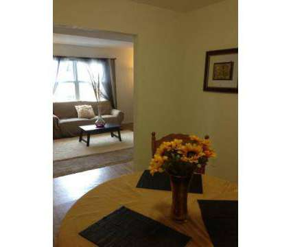 2 Beds - Sturbridge Square Apartments at 1001 University City Blvd in Blacksburg VA is a Apartment