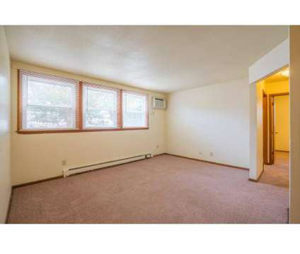 4 Beds - Drake Park Apartments at 1260 34th St in Des Moines IA is a Apartment