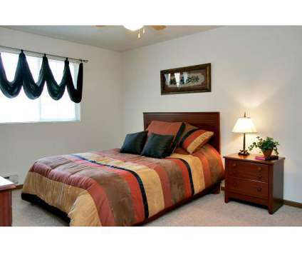 2 Beds - The Pointe at Cedar Rapids at 4025 Sherman St Ne in Cedar Rapids IA is a Apartment
