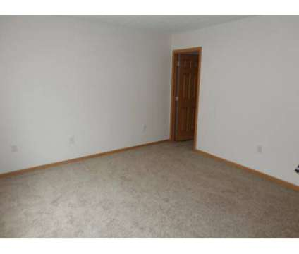 3 Beds - Greens of Turfway at 6045 Montrose in Florence KY is a Apartment