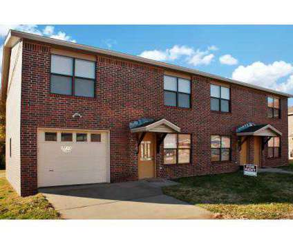 2 Beds - Porter Place Townhouses at 2466 W Sycamore St in Fayetteville AR is a Apartment