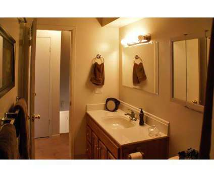 2 Beds - Kingsbrooke Townhomes at 3200 Kingsbrooke Dr in Jackson MI is a Apartment