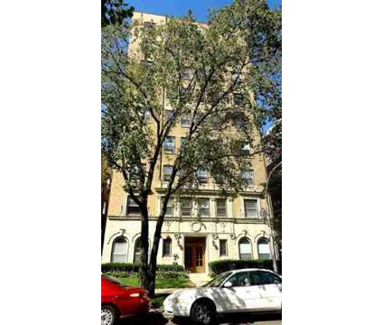 Studio - Lakeside Edgewater Neighborhood Apartments at 6330 N Winthrop in Chicago IL is a Apartment