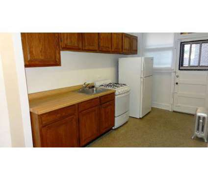 2 Beds - Lakeside Edgewater Neighborhood Apartments at 6330 N Winthrop in Chicago IL is a Apartment