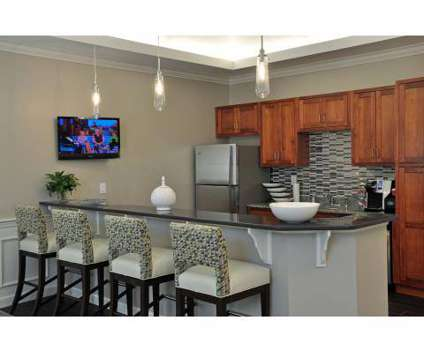 Studio - University Heights at 15 Princeton Dr in Hooksett NH is a Apartment