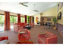 2 Beds - Pembroke Lake