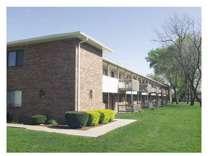 3 Beds - Bennett Grand Woods Apartments