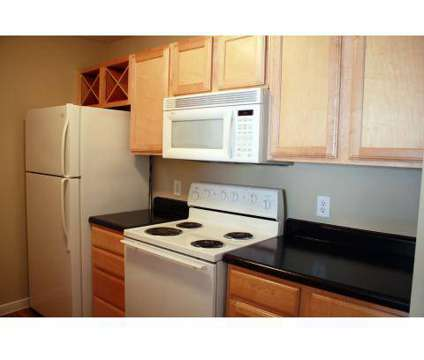 3 Beds - Chateaux Normandie at 333 Normandy in Houston TX is a Apartment
