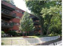 2 Beds - Congress Run Apts