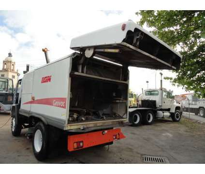 2005 ELGIN GEOVAC Vacuum Street Sweeper is a 2005 Heavy Equipment Vehicle in Miami FL