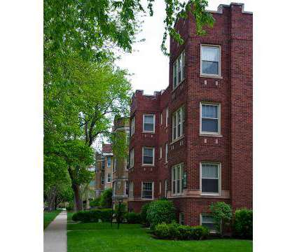 3 Beds - Oak Park Apartments at 35 Chicago Ave in Oak Park IL is a Apartment