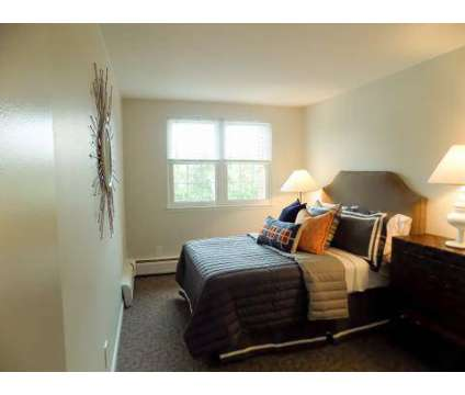 2 Beds - Rolling Green at 13 Rolling Green Rd in Newport RI is a Apartment