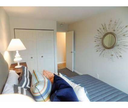 4 Beds - Rolling Green at 13 Rolling Green Rd in Newport RI is a Apartment