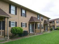 2 Beds - Baywood Apartments