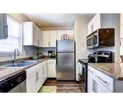 3 Beds - Highbrook Townhomes at 2883 Highbrook Cir in Hudsonville MI is a Apartment