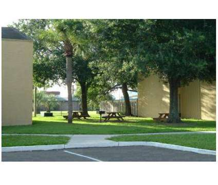 1 Bed - Phoenix Apartments at 260 W Van Fleet Drive in Bartow FL is a Apartment