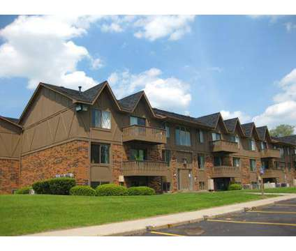 3 Beds - The Landings of Fountain Pointe at 6033 Fountain Pointe in Grand Blanc MI is a Apartment