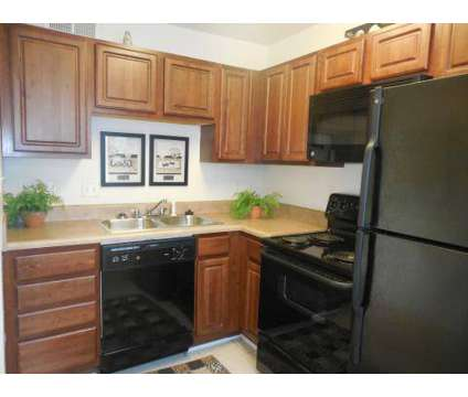 2 Beds - The Villas of Oakwood at 3508 E Richmond Rd in Richmond VA is a Apartment