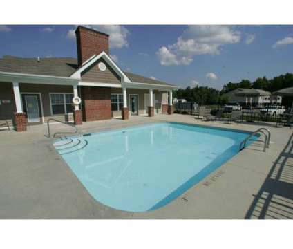 3 Beds - Links @ Thorndale at 701 Fairway Dr in Oxford NC is a Apartment