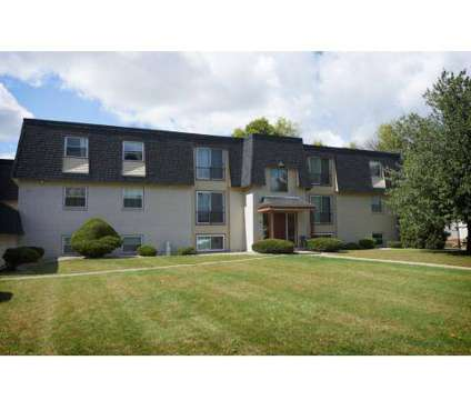 Studio - Central Park West & Le Chateau at 4661 New Hampshire Cir in Austintown OH is a Apartment
