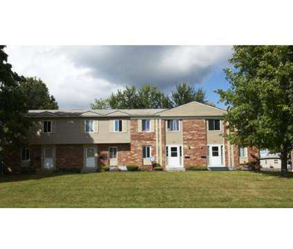 2 Beds - Central Park West & Le Chateau at 4661 New Hampshire Cir in Austintown OH is a Apartment