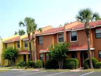 2 bed/ 2 bath resort townhouse 3 miles to disney