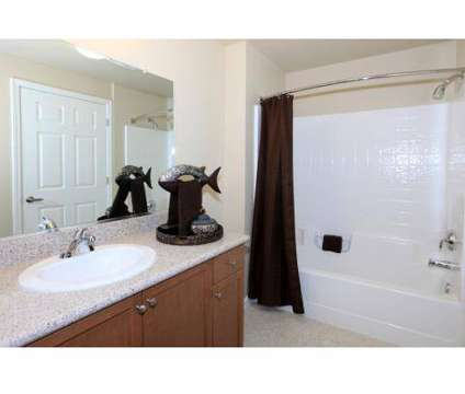 2 Beds - Greystone Apartments at 5610 N Gates Ave in Fresno CA is a Apartment