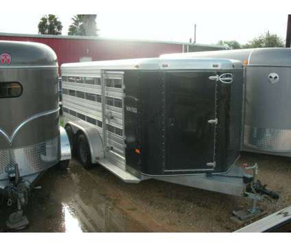 New16' Sundowner Livestock Show Hog Trailer / Lamb Trailer is a Baby in La Feria TX