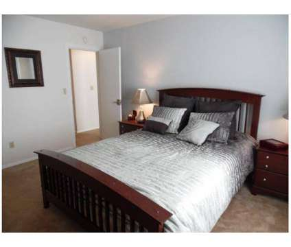 2 Beds - Whitnall Pointe Apartment Homes at 10591 West Cortez Cir in Franklin WI is a Apartment