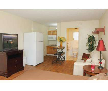 2 Beds - Fillmore Crossing Apartments and Efficiencies at 3125 Sinton Road in Colorado Springs CO is a Apartment