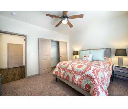 2 Beds - The Heights Linden Square at 601 Ne 70th St in Gladstone MO is a Apartment