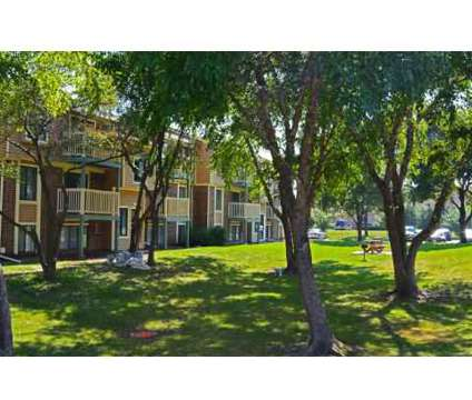 2 Beds - Ellyn Crossing at 440 Gregory Ave in Glendale Heights IL is a Apartment