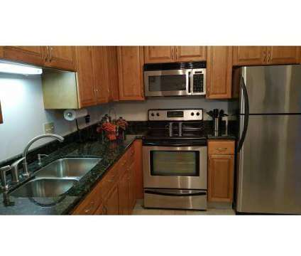 2 Beds - Pheasant Run at 1679 Hampton Knoll Dr in Akron OH is a Apartment