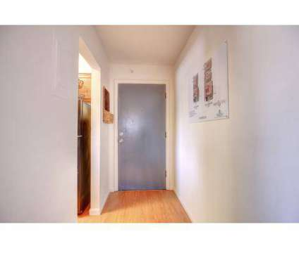 1 Bed - Gramercy Park at 2106 West White St in Champaign IL is a Apartment