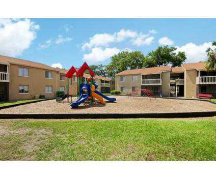 3 Beds - Moncler Landings at 401 Monument Road in Jacksonville FL is a Apartment