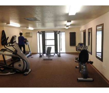 2 Beds - Hawaiian Village at 1105 West 10th Ave in Kennewick WA is a Apartment