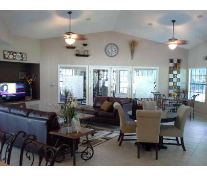 3 Beds - Country Club Park at 917 Country Club Park in Deland FL is a Apartment
