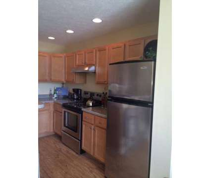 3 Beds - Summit Ridge at 904 Manor Dr in Oakdale PA is a Apartment