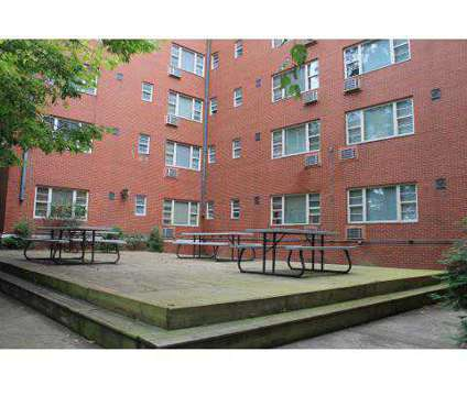 1 Bed - Park Chateau at 512 West Ormsby Ave in Louisville KY is a Apartment