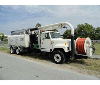 1998 International 2574 Safe Jet Vac Clean Earth is a 1998 International 2574 Model Commercial Trucks & Trailer in Miami FL