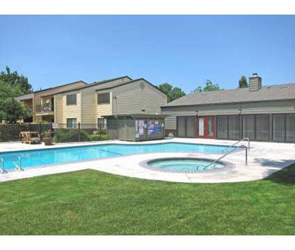 2 Beds - Meadow Lakes Apartments. at 1401 Lakewood Avenue in Modesto CA is a Apartment