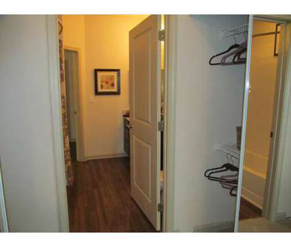 2 Beds - Bridgeway Chattanooga at 2415 Bridge Cir in Chattanooga TN is a Apartment