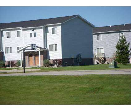 4 Beds - Tallgrass Apartments & Townhomes at 1240 East Broomfield St in Mount Pleasant MI is a Apartment