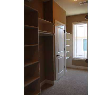 2 Beds - The Ranch Villas at Nall Hills at 6009 West 102nd Ct in Overland Park KS is a Apartment