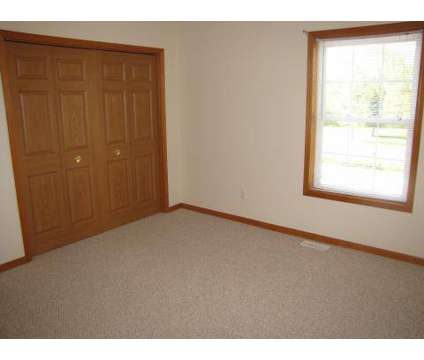 2 Beds - Victory Place at 7115 S Winners in Perrysburg OH is a Apartment